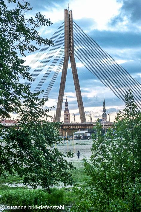 Riga / Brücke über die Duna
